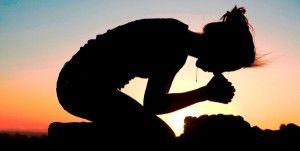 Paz seja convosco!    Como está se aproximando o dia das mães, colocaremos um esboço de mensagem referente as mulheres.    O esboço é uma maneira de despertar para a leitura da palavra de Deus.    O Espírito Santo tem maneiras de se comunicar diferentes com as pessoas.    Mulher agradecida: Tinha um grande problema físico, que muitas vezes se torna psicológico.    Não pare de buscar sua benção, pois há tempo para tudo.