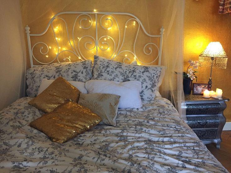 die besten 25 schlafzimmer lichterkette ideen auf pinterest hochschule schlafzimmer dekor. Black Bedroom Furniture Sets. Home Design Ideas