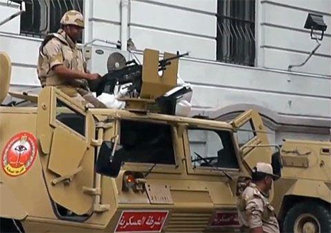 Tornano in piazza i Fratelli Musulmani. Egitto: capitale blindata