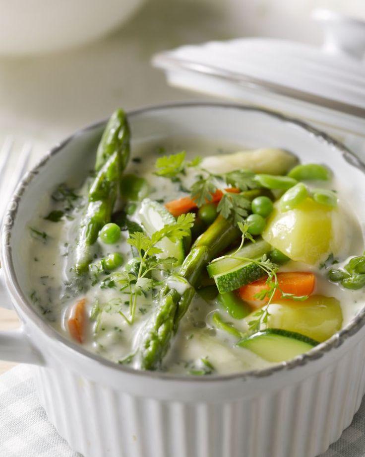 Lekker vegetarisch en gezond is deze heerlijke ragout van asperges en andere lengegroenten. Je zet het makkelijk op tafel!