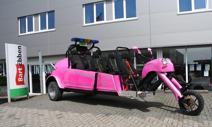 Special project! Bart Ebben Zwarte Cross Trike van Citroen Peugeot gebruikte onderdelen. O.a. Citroën CX, C3, C4, C5, 2cv, AK Dyane en Peugeot 307 onderdelen zijn gebruikt. Goed voor de overwinning in de Roze Cross klasse op de Zwarte Cross 2014! Lees er hier meer over: http://bartebben.nl/blog/zwarte-cross/42.html en hier: http://bartebben.nl/nieuwsbericht/team-bart-ebben-wint-zwarte-cross-/65.html