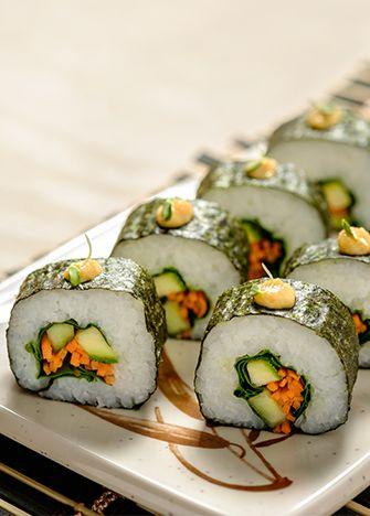 Receta de sushi vegetariano. La comida japonesa es deliciosa, no te quedes con las ganas de preparar algo completamente espectacular para todos.