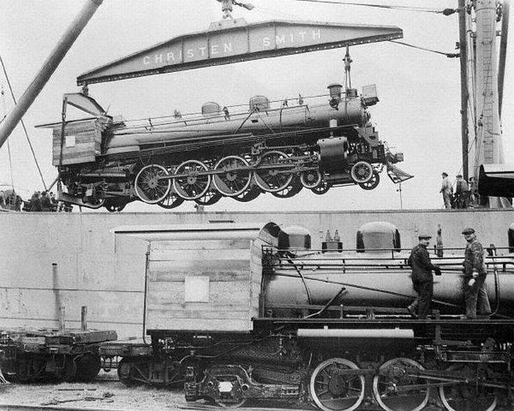 Embarque de locomotoras a vapor desde el Puerto de Filadelfia de Estados Unidos hacia el Puerto de Valparaiso el 29 de noviembre de 1929.