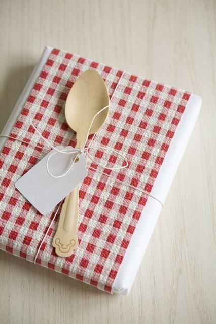 35 ideas para vestir los libros que regales  FOTOS  V DEOS Best 10  Original bridal shower presents ideas on Pinterest  . Great Kitchen Tea Gift Ideas. Home Design Ideas