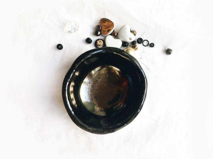 Блюдце для ювелирных украшений. Черный фарфор. Black porcelian. Handmade