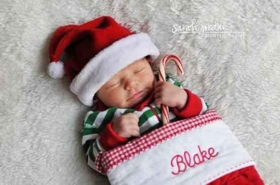 29 Babies Who Totally Nailed Their First Christmas Photo Shoot