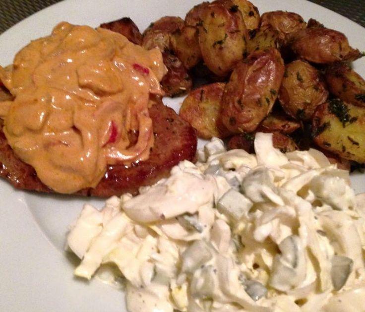 Aardappelpartjes uit de oven, biefstuk met stroganoffsaus en witlofsalade. Maak ook zelf deze strofanoffsaus met dit heerlijke en zeer makkelijke recept.