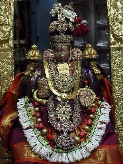 Sri Perundevi Thayar (Lakshmi)