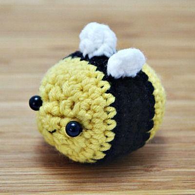 Kawaii Amigurumi Bee : 17 Best images about H?klede dyr on Pinterest Amigurumi ...