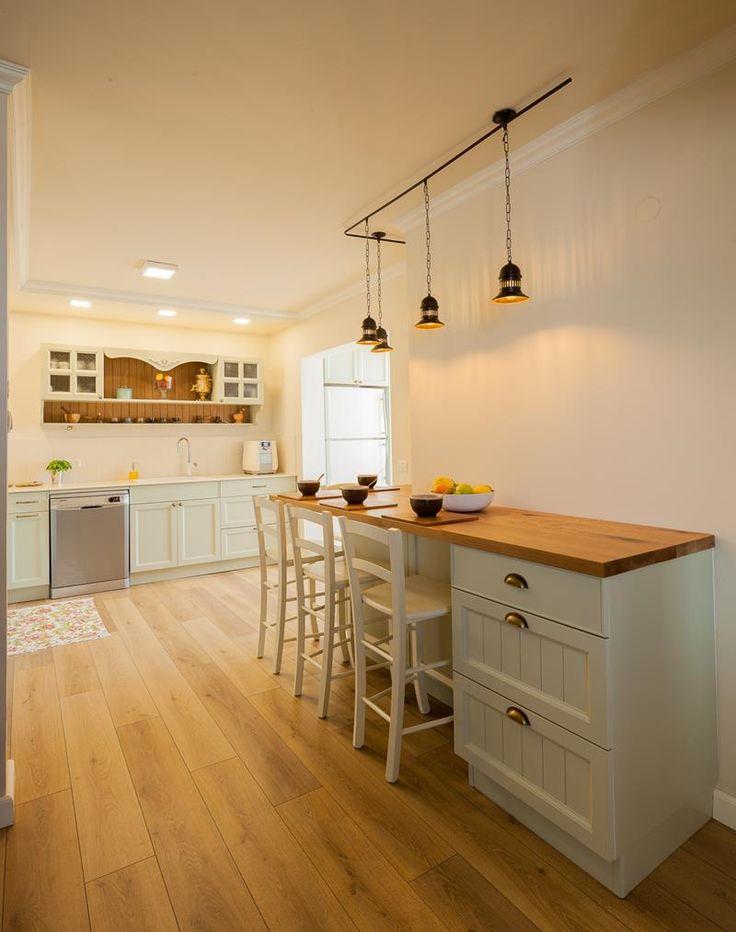 מהרגע שבו תוכנן השיפוץ שלפניכם ועד שהמפתחות לדירה החדשה נמסרו למשפחה, עברו ארבעה…