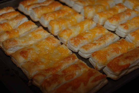 Whisk: a food blog: Allumettes au fromage (Puff pastry strips with cheese)