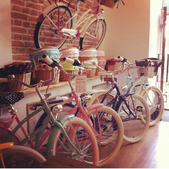 Nuevo marca de bicicletas urbanas en nuestra tienda online Embassy  Bicicletas con cestas, portaequipajes, protección para sillín, cesta y los puños  - mas en www.favoritebike.com ‪#‎bicicletas‬ ‪#‎bicicletasurbanas‬ ‪#‎bike‬ ‪#‎bikes‬ ‪#‎retro‬ ‪#‎vintage‬ ‪#‎new‬ ‪#‎nuevamarca‬ ‪#‎store‬ ‪#‎shop‬ ‪#‎shoppingonline‬ ‪#‎basket‬ ‪#‎cesta‬ ‪#‎barcelona‬ ‪#‎baleares‬ ‪#‎chic‬ ‪#‎paramujeres‬ ‪#‎fashion‬ #vintage ‪#‎bikevintage‬ ‪#‎bicicletadepaseo‬