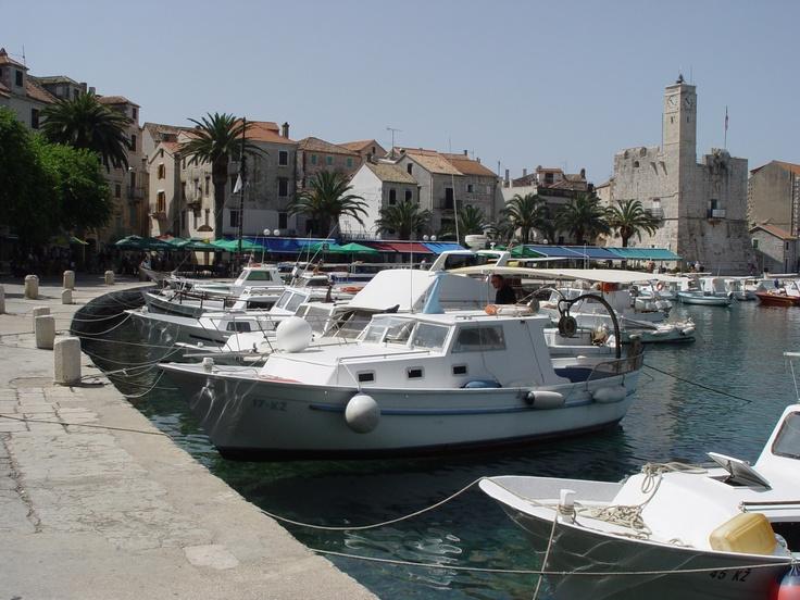 Lodičky v přístavu v Chorvatsku