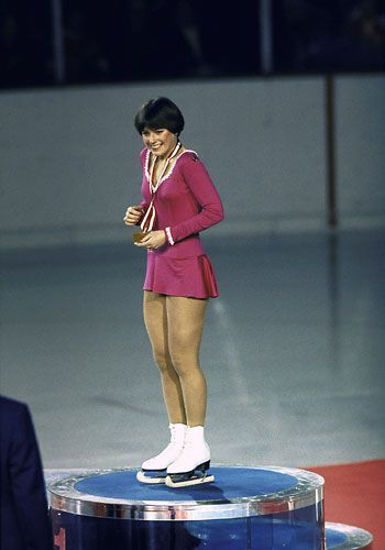 1976: Dorothy Hamill's wedge cut Yes, Americans were in awe of her Axel, Salchow and Lutz--along with the gold medal she brought home--but women everywhere just plain worshipped that wedge, a style that stayed sleek no matter how high she leaped.