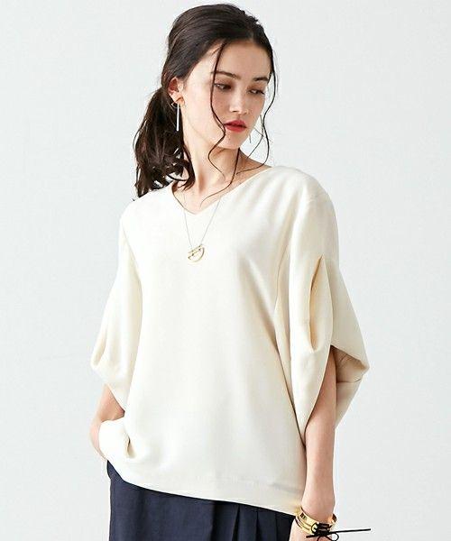UNITED TOKYO WOMENS(ユナイテッドトウキョウウィメンズ)のデザインスリーブトップ(シャツ/ブラウス)|オフホワイト