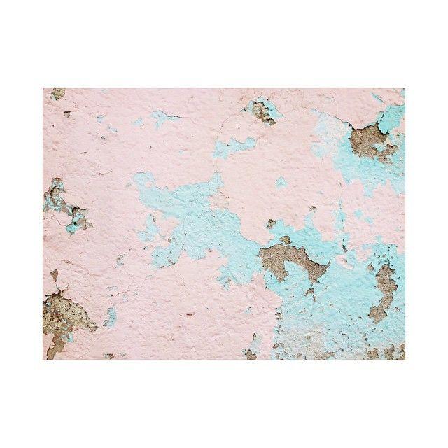 Layers  #wall #muro #layers #painting #pintura #capas #pink #mint #composition