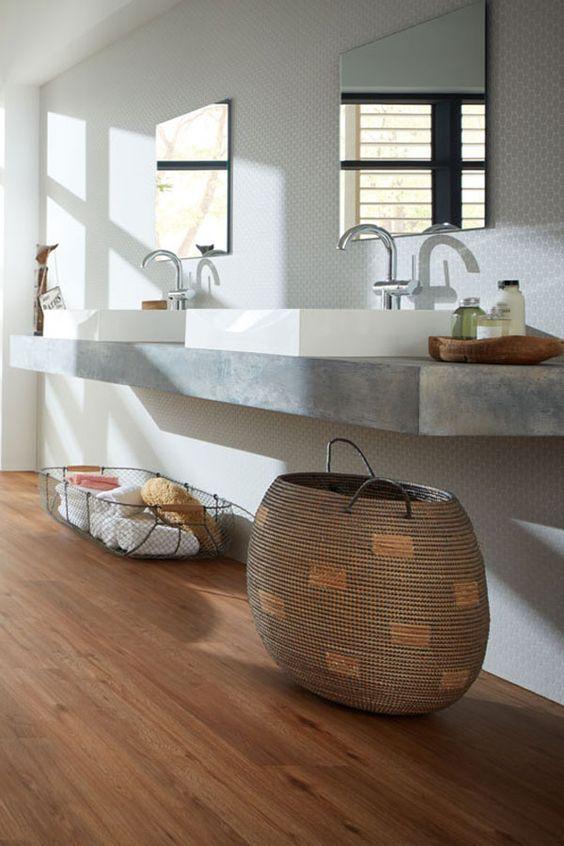 Badezimmer Natürlich Modern. Vinylboden In Holzoptik. Designwaschbecken # Badezimmer #fußboden #