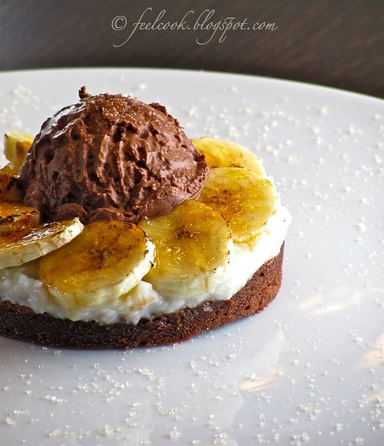 Tortino di banane caramellate e cocco by FeelCook, via Flickr