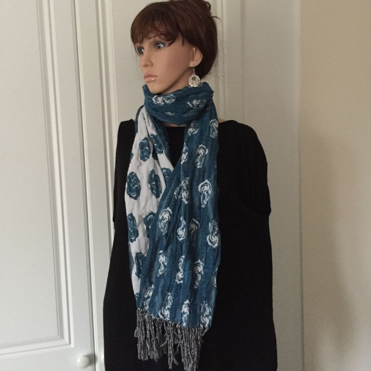 Scarf by Morsta of London in White and Bottle Green