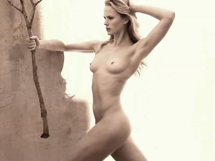Are anne vyalitsyna topless