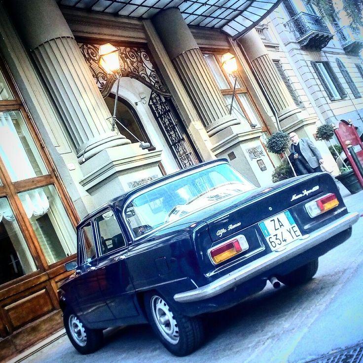 Valet parking voor sicilieperklassieker in het hart van Palermo bij Grand Hotel et des Palmes.