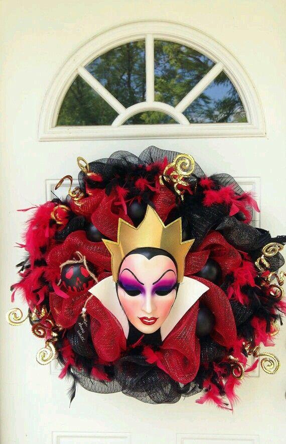 Evil queen wreath....I want it !