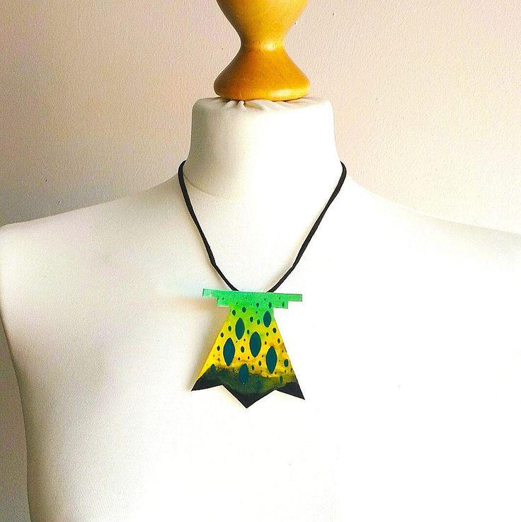 Schmuck geometrisch, Ombre Muster, Halskette modern, Halskette Batik, Halskette Türkis, Halskette schwarz, Halskette Gelb, Geschenk für sie von StudioAnnaP auf Etsy