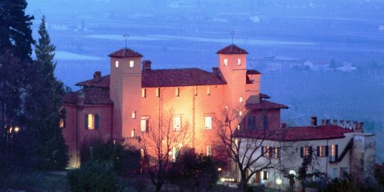 Hotel Castello Rosso (Costigliole Saluzzo, Piedmont) -  Conference Room: 100, Banquet Hall: 250, Number of Rooms: 25