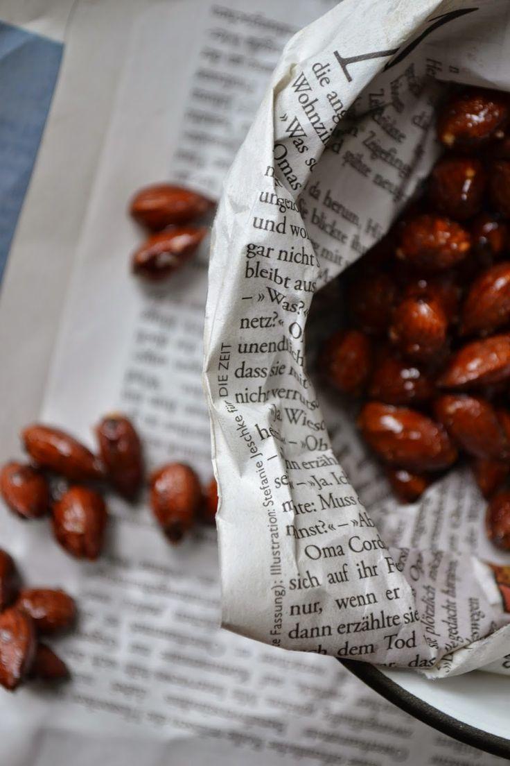 The Recipe Suitcase: Savoury Wednesday: Geröstete Honig-Mandeln mit Chili und Zitronengrass