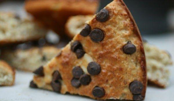 Banana, Almond, Coconut & Chocolate Chip Slice. A delicious snack! #recipe #snacks #nutreats