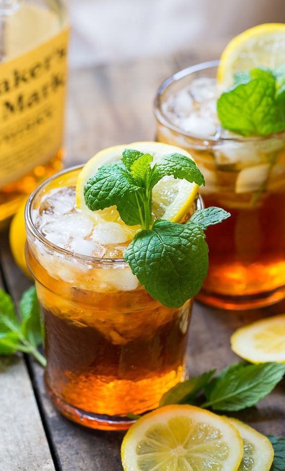 Sweet Tea Mint Juleps - The perfect southern cocktail for a Kentucky Derby party.