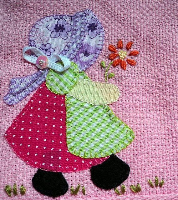 Sunbonnet Sue.... so many different ways to make one of these blocks! and they are all adorable!