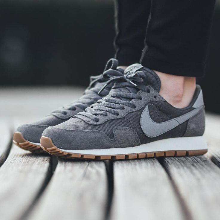"Titolo Sneaker Boutique op Instagram: ""NEW IN! Nike Wmns Air Pegasus 83 - Dark Grey/Stealth-Black available now in-store and online @titoloshop Berne 