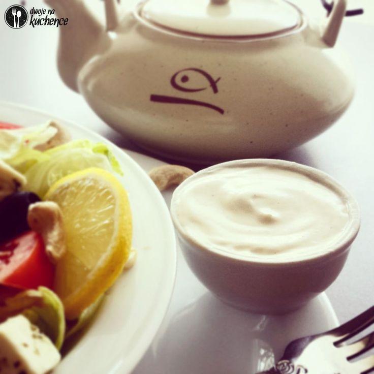 Sos jogurtowy do sałatek, mięs i grillowanych warzyw