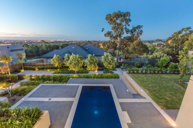 Mitcham residence - counter levered swimming pool