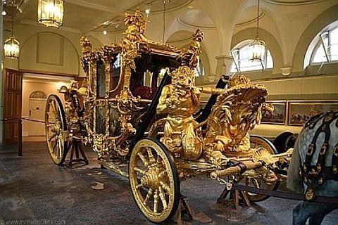 Carruagem em ouro