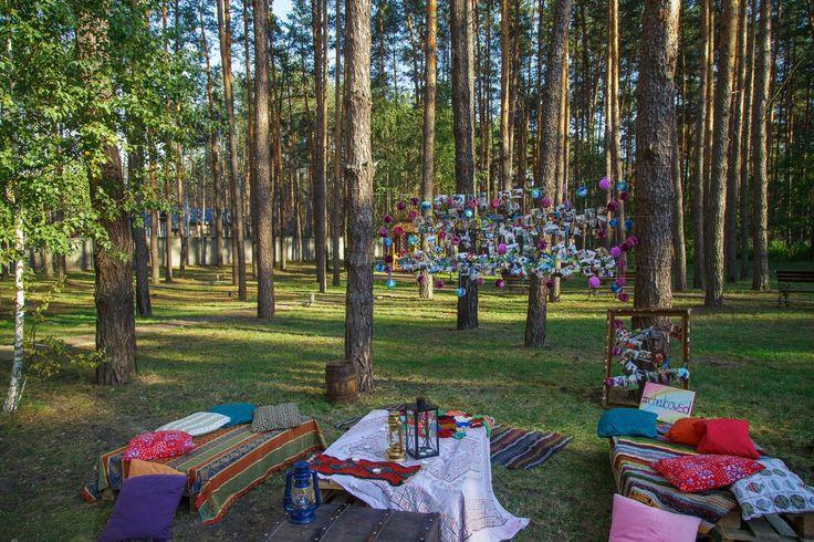 Первые фотографии субботней свадьбы в стиле бохо. Сосновый лес, снопы сена и красочное оформление. Свадьба в стиле Бохо. Wedding style Boho