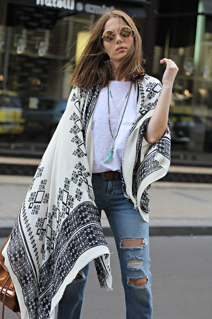 Fashion and style: Embroidered foulard