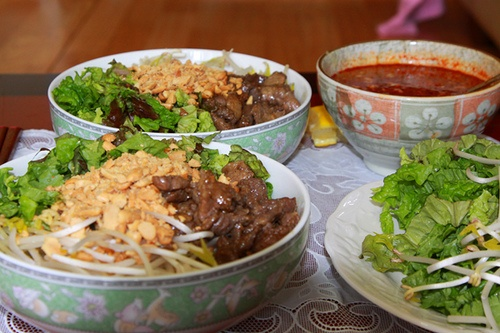 vietnamese food: Bún bò nam bộ - Bun bo nam bo