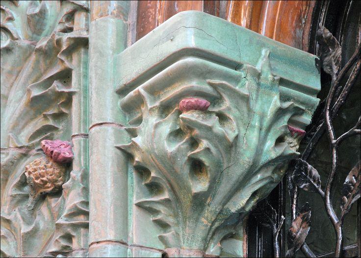 dcor de limmeuble conu en 1903 situ au 2 rue eugne manuel - Bleu Attu Salon