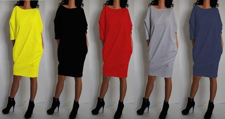 Te świetne sukienki dresowe w kilku kolorach można kupić w rozmiarach od 36 do 54 albo uszyć na zamówienie