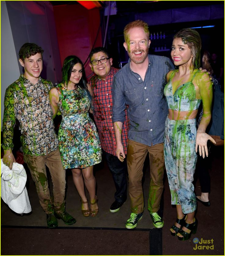 Modern Family cast got Ssimed at Kids Choice Awards 2015