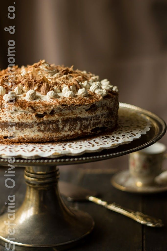 Cardamomo&co.: Festeggiamo: Torta al cioccolato e caffè con riccioli di cioccolato al gianduia senza burro