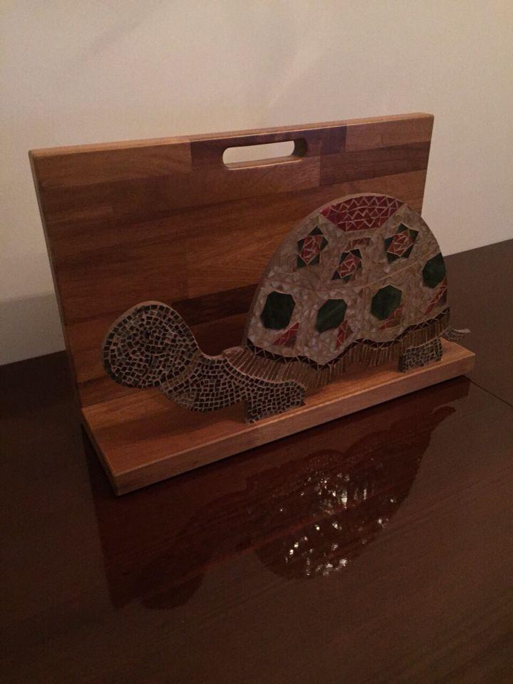 Cam mozaikten yapılmış kaplumbağa gazatelik Tasarım ve uygulama Hilal Taşcı Üğütgen