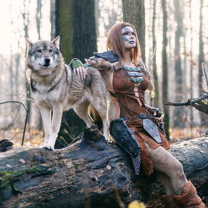 Aela the Huntress from Skyrim Cosplay http://geekxgirls.com/article.php?ID=9532