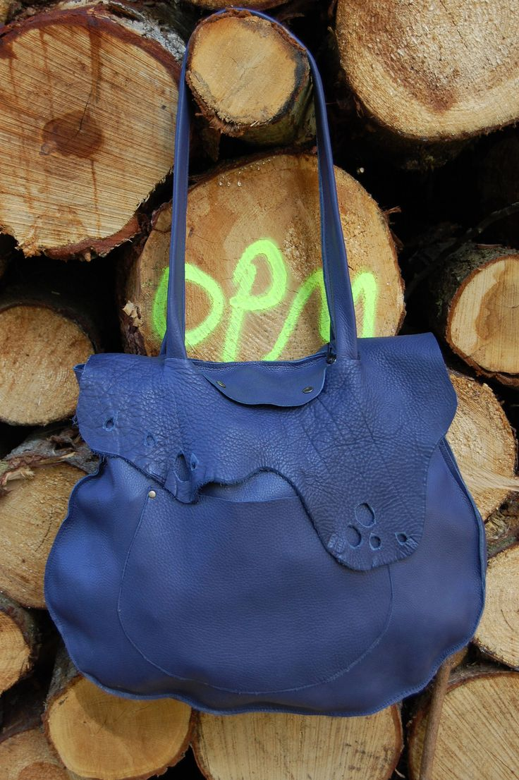 Handmade bags in 100% cowskin made with love. by Muubags on Etsy