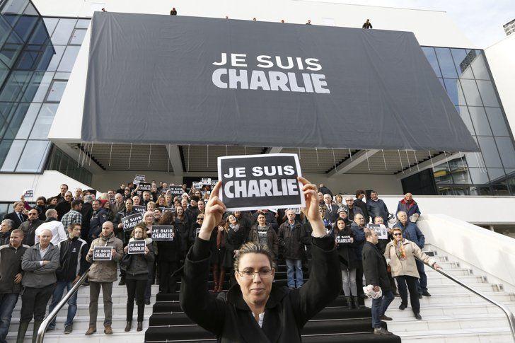 Pin for Later: Tour du Monde des Rassemblements en Soutien à Charlie Hebdo Palais des Festivals, Cannes