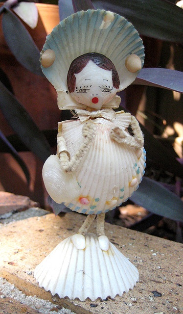 221 best sally sold sea shells images on pinterest for Animals made out of seashells