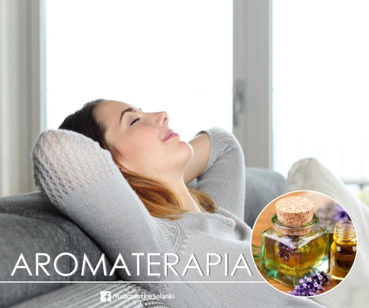 Jak zredukować napięcie zmęczonych mięśni? Można zrobić to dzięki zapachowi lawendy! Wetrzyj kilka kropli olejku lawendowego w spód dłoni i delikatnie przykryj dłońmi nos. Oddychaj w ten sposób przez kilka minut/ Ciepło Twojej skóry pozwoli uwolnić więcej właściwości olejku :)  #aromaterapia #bergamotka #olejek #zapach #koncentracja