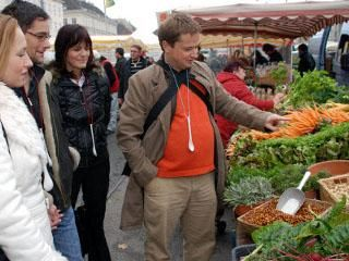 Gutschein für eine Erlebnistour am Wiener Naschmarkt - Genusstour durch Wien